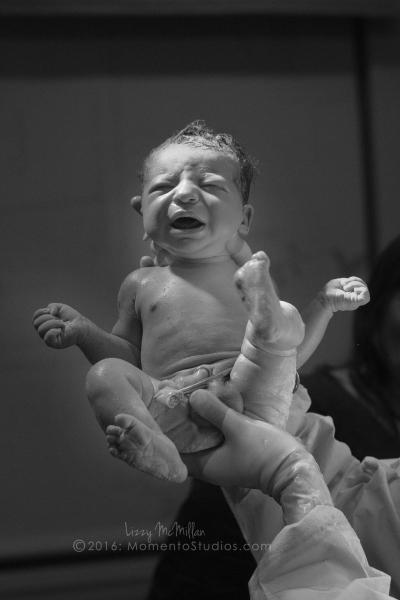 Momento Studios Lizzy McMillan Arizona Birth Photographer Delivery photography birth photography mesa phoenix scottsdale gilbert chandler-091