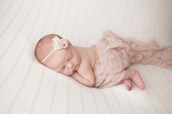 Lizzy McMillan Arizona Newborn Photographer Momento Studios Newborn Girl Phoenix Arizona Mesa Arizona-01
