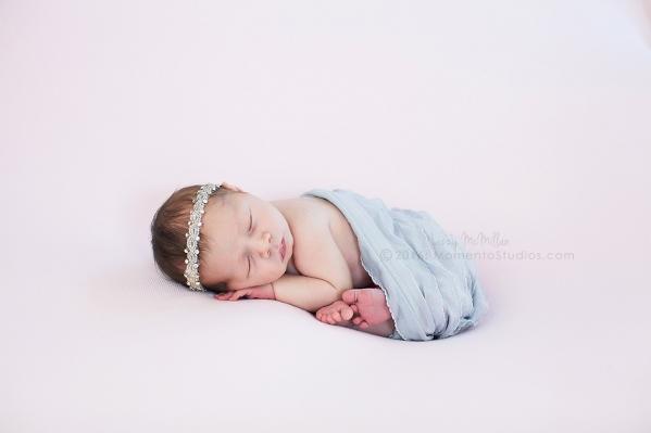 Lizzy McMillan Arizona Newborn Photographer Momento Studios Newborn Girl Phoenix Arizona Mesa Arizona-42