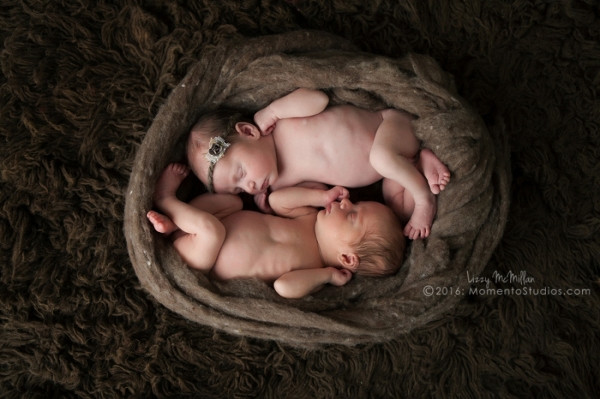 Momento Studios Arizona Newborn Photographer Newbown Photography Mesa Arizona Lizzy McMillan Gilbert Arizona Scottsdale Arizona Tempe Arizona Twins Triplets Multiples Whisperer Newborn Whisperer-012