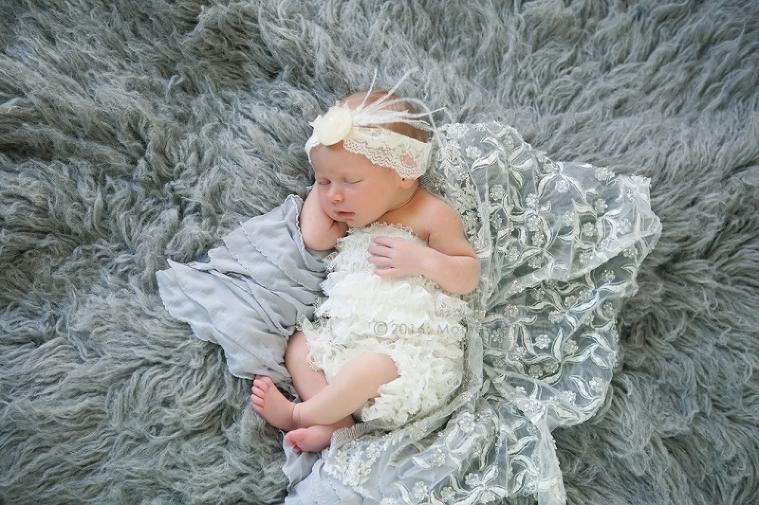 Lizzy McMillan Arizona Newborn Photographer Momento Studios Newborn Girl Phoenix Arizona Mesa Arizona-04