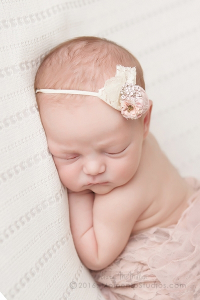 Lizzy McMillan Arizona Newborn Photographer Momento Studios Newborn Girl Phoenix Arizona Mesa Arizona-36