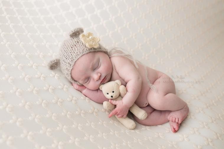 Lizzy McMillan Arizona Newborn Photographer Momento Studios Newborn Girl Phoenix Arizona Mesa Arizona-46