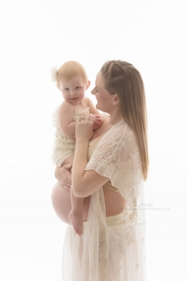 Momento Studios Mesa Arizona Maternity Photographer Studio Maternity Gowns Taopan Gowns Studio Pregnancy Photographer Phoenix Arizona Maternity Lizzy McMillan Momento Studios Newborn Whisperer-12